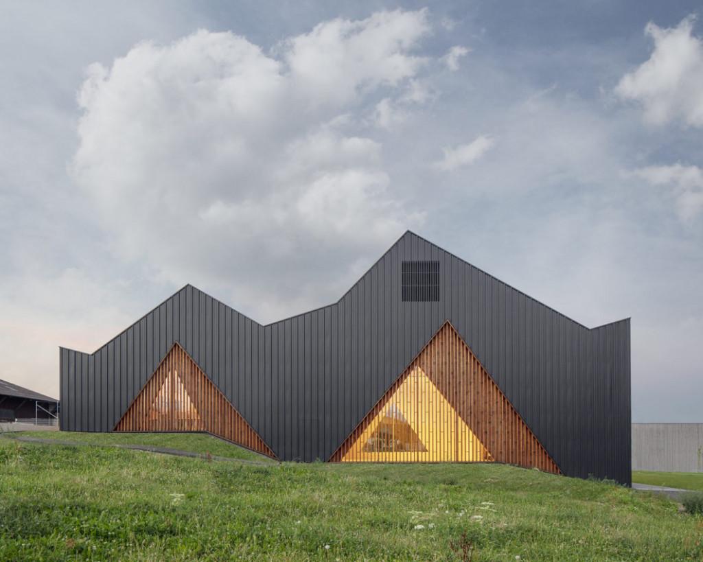 © Matthieu Gafsou / COMMUNITY BUILDING - Community Building à Levaud, par LOCALARCHITECTURE (Suisse)