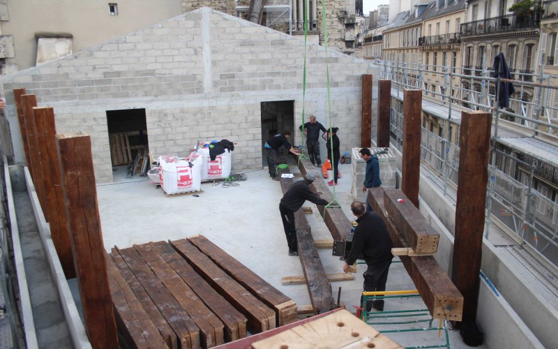 A5 – Chêne massif et assemblages par goujons collés pour une surélévation à Paris